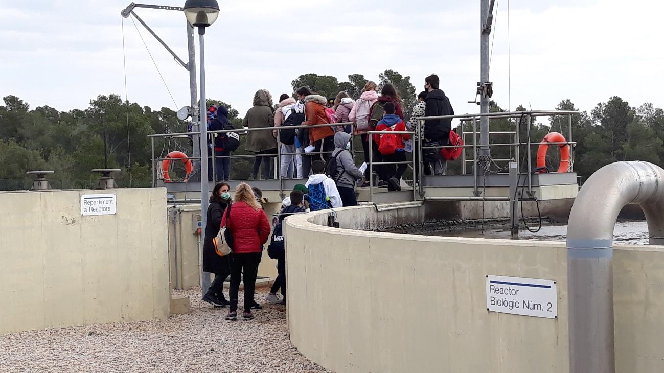 Els alumnes visiten les instal·lacions